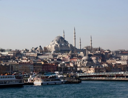 Istanbul vista dal traghetto in partenza