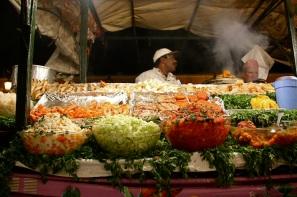 uno degli stand di cibo della Jâmiʻ al-fanâ