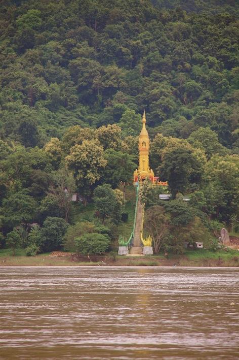 un tempio vicino a Huay Xai