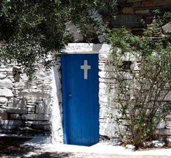 una minuscola chiesa